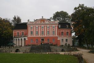 Kraina Kultur - Pałac w Kurozwękach