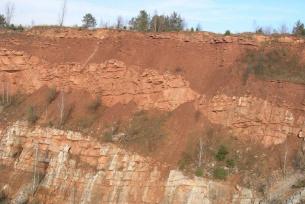 Kamieniołom Jaworznia - kontakt skał dewońskich i permsko-triasowych