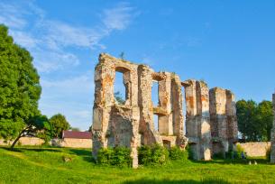 Ruiny zamku w Bodzentynie
