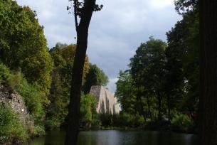 Ruiny muru oporowego w Bobrzy