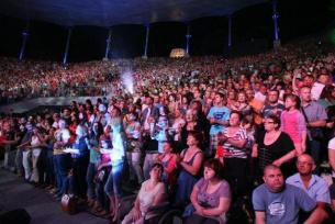 Publiczność bawi się świetnie