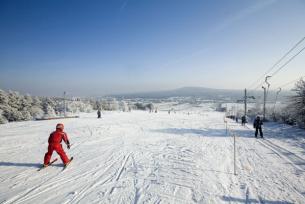 Świętokrzyskie czaruje - poleć na narty !