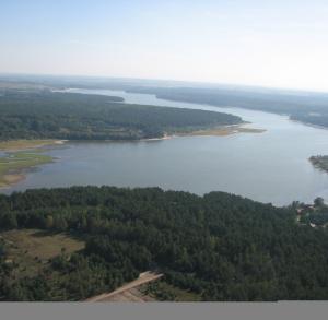Zalew strzeżony Chańcza (kąpielisko główne przy zaporze dostępne 13.07. - 12.08.)