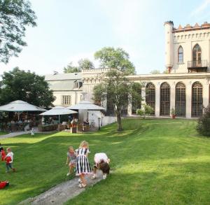 Inauguracja sezonu letniego w ogrodzie Pałacyku - Boba Jazz Band