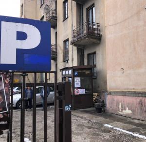 Parking przy ul. Paderewskiego (róg z ul. Solną) w Kielcach