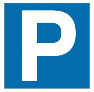 Parking przy opactwie cystersów w Jędrzejowie