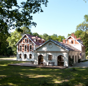 Sichów Manor and Library