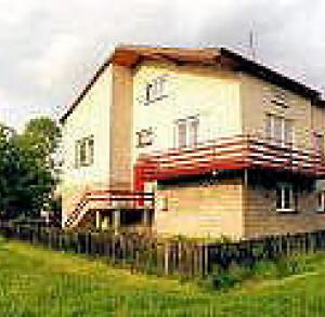 Pod Gruszą - Ewa Zielińska