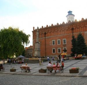 Ratusz - Muzeum Okręgowe- zbiory przeniesione do Muzeum Okręgowego w Zamku Królewskim