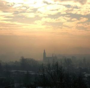 Grzbietem Pasma Posłowickiego wokół Kielc