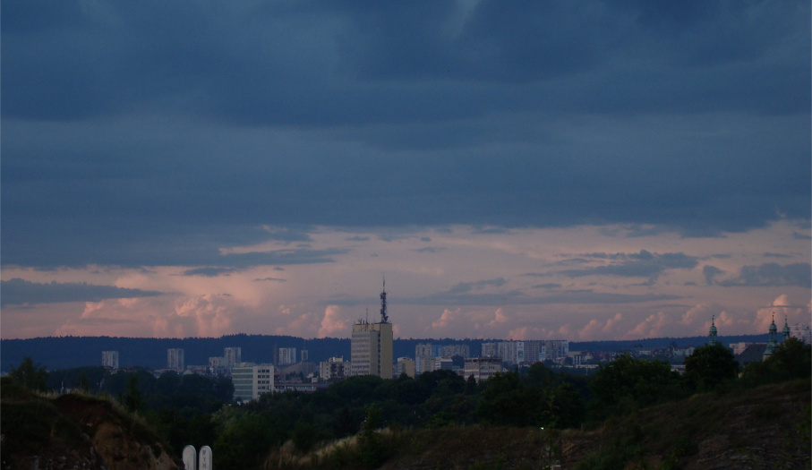 Zmierzch na Kadzielni - widok na miasto