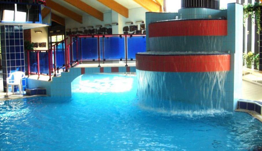 Fontanna na basenie