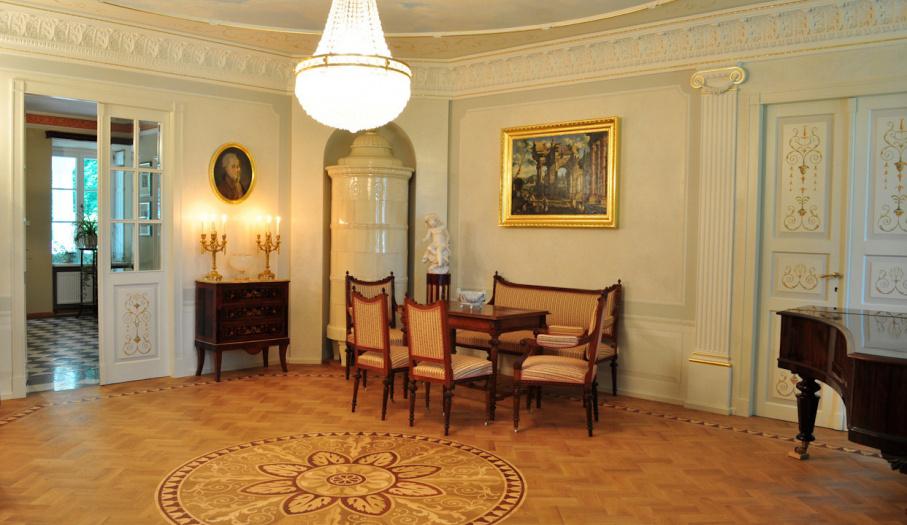 Salon w stylu klasycystycznym