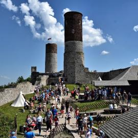 Majówka na zamku w Chęcinach - zakochani i oczarowani