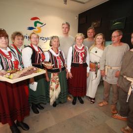 Niezwykła konferencja prasowa poświęcona Dymarkom w Nowej Słupi