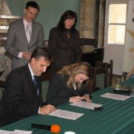 Porozumienie o współpracy podpisane między POT i ROTWŚ podczas konferencji