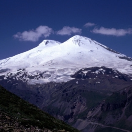 Świętokrzyski Sztandar powiewa nad Elbrusem