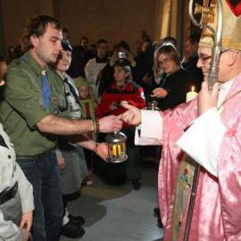 Betlejemskie Światło Pokoju w Kielcach